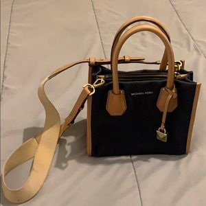 Micheal Kors Mini Crossbody Handbag Purse